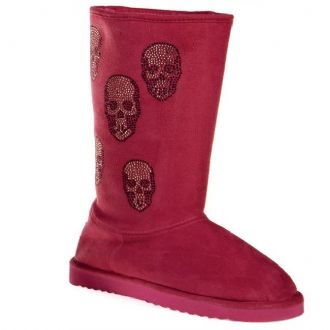 Women's boots with scull decoration
