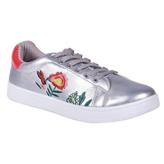 Women's sneakers with flower decoration